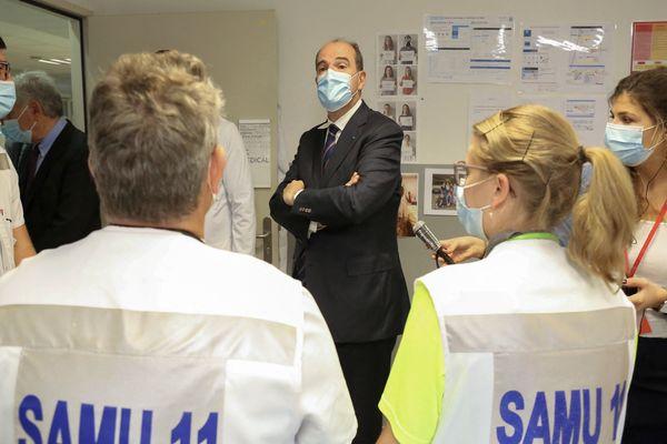 Carcassonne - Jean Castex en visite au centre hospitalier avec des soignants - 11 août 2021.