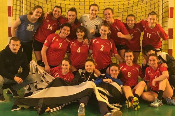 Les filles du Clé handball du Lycée Bréquigny à Rennes ont battu l'équipe de Thionville 22 à 12.