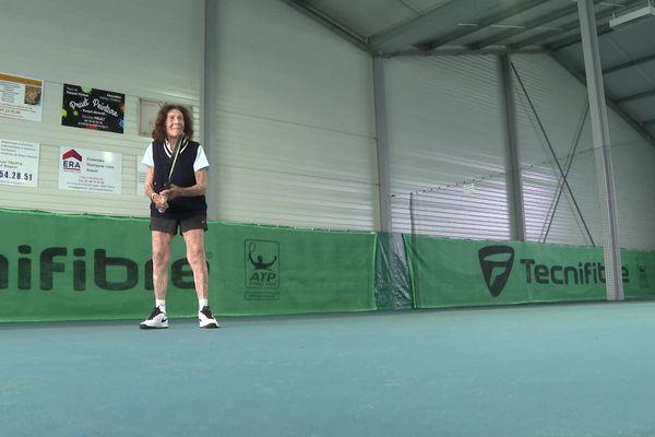 La centenaire est presque aussi âgée que la Fédération Française de Tennis