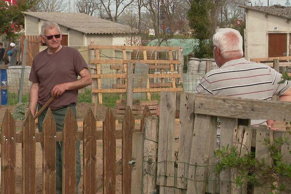 Joël et Patrice, jardiniers à Allonnes, près du Mans