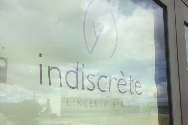l'entreprise de lingerie fine Indiscrète, à Chauvigny.