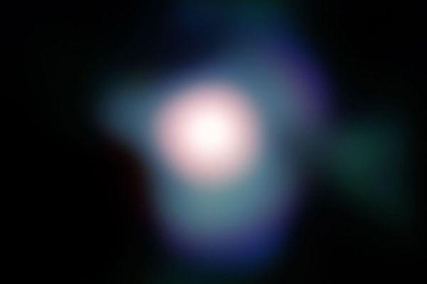 Bételgeuse est une étoile géante, qui fait partie de la constellation d'Orion.