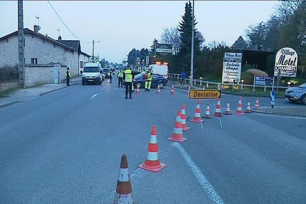 A Tournus, en Saône-et-Loire, 80% des habitants sont privés d'eau en raison de la rupture de trois canalisations dimanche 24 mars 2019.