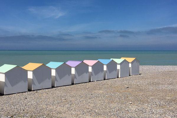 Il faudra attendre JEUDI pour que la plage du Tréport retrouve une accalmie et un horizon assez éclairci.