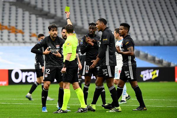 Paqueta décroche un carton lors de la rencontre OM-OL : les Lyonnais terminent à 10 contre 11 et doivent se contenter du nul (1-1) - 28/2/21