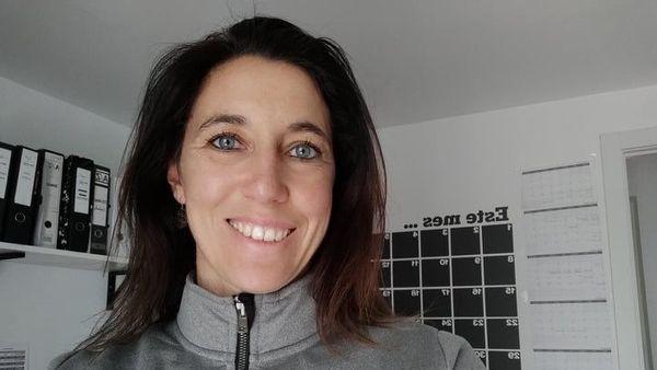Virginie Viau dans sa maison du quartier de Vicalvaro, à Madrid