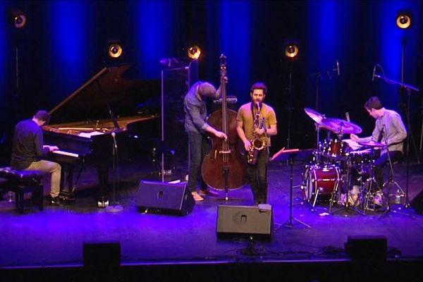Flash Pig, un jeune quartet qui monte, sur la scène du festival de jazz de Colmar