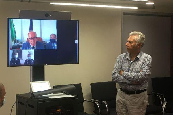 Le procureur de la république de Gênes, Francesco Cozzi, en visio-conférence depuis Gênes.