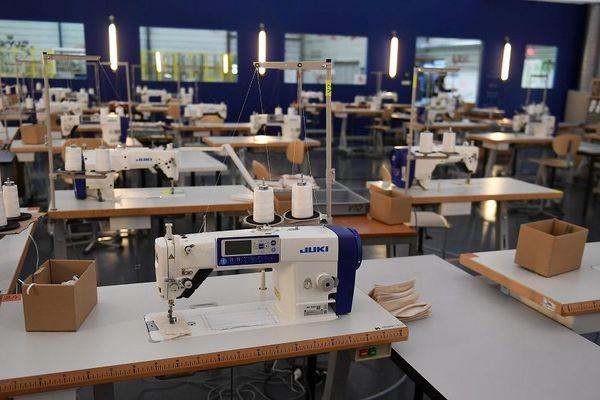 Lyon lundi 25 mai -Boldoduc à installé une unité temporaire de fabrication de masques de protection dans l'usine Fagor Brandt à Lyon