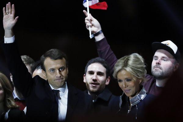 A Clermont-Ferrand (73.071 inscrits) c'est un véritable plébiscite pour Emmanuel Macron. Le président élu (65,8%) obtient dans la préfecture du Puy-de-Dôme 80,04% des suffrages exprimés. Marine Le Pen en obtient 19,96%, soit bien moins que son résultat national (34,2%).