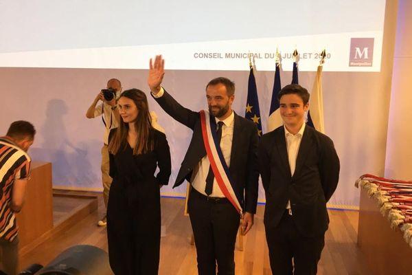 Mickaël Delafosse entouré de Samuel Avenin, marcheur pour le climat et Zita Chelvi Sandin, candidate en 64e position sur sa liste