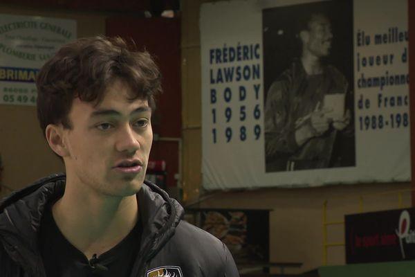 L'Américain Micah Ma'a, le nouveau passeur du SPVB, a commencé à jouer avec Poitiers.