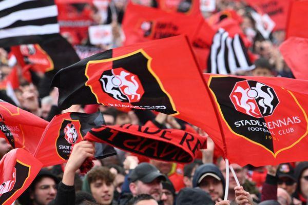 supporters dans les tribunes du Stade Rennais