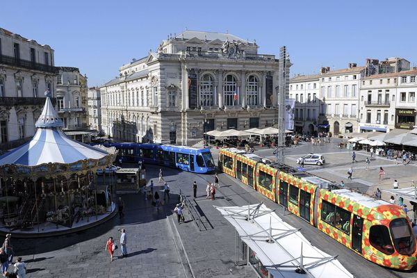 Montpellier - la place de la Comédie - archives.