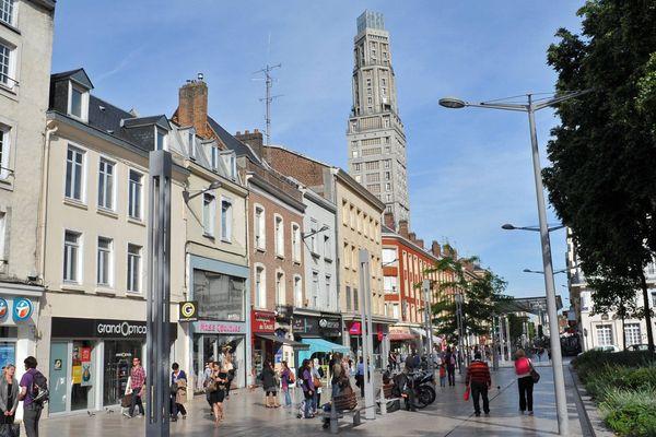 A l'intérieur du département, Amiens est la ville qui compte le plus d'arrivées de nouveaux foyers.