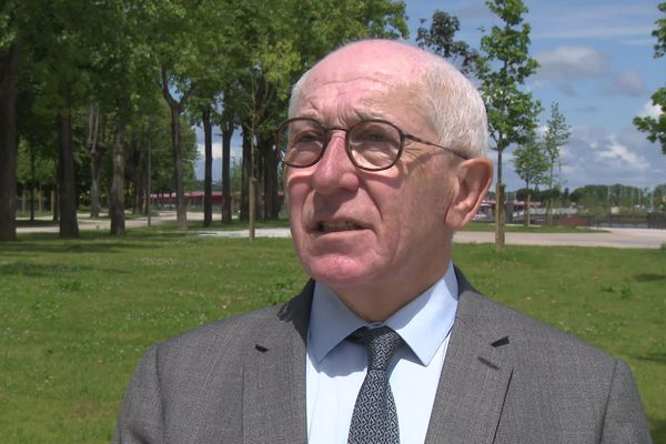 Jean-René Etchegaray, maire sortant centriste de Bayonne au Pays basque