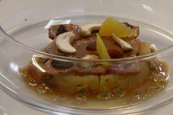 Le dessert autour de l'ananas Victoria
