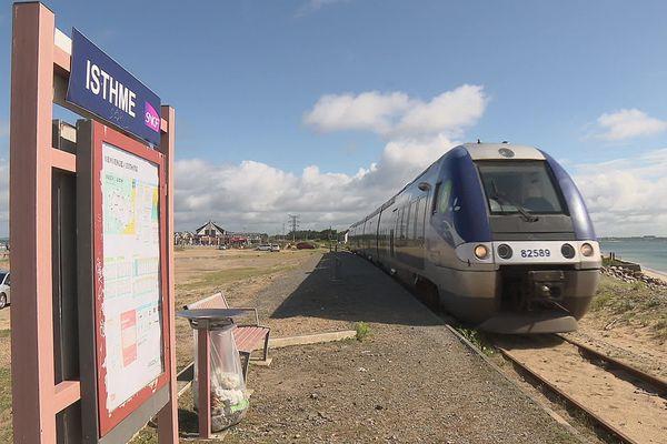Le Tire Bouchon transporte chaque année plus de 140 000 voyageurs entre Auray et Quiberon