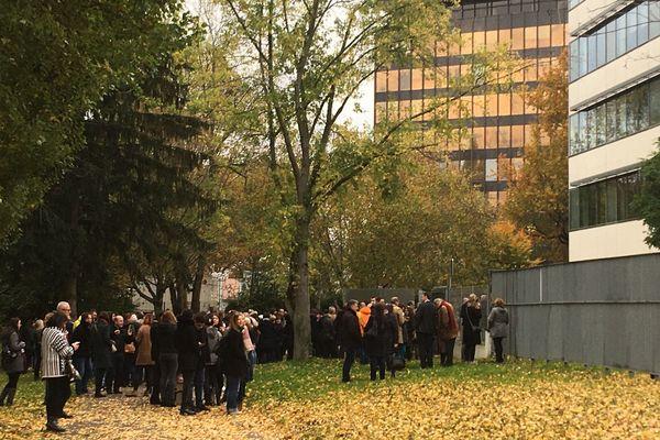 Les personnes présentes dans l'immeuble du Crédit Mutuel du quartier Wacken ont été évacuées.