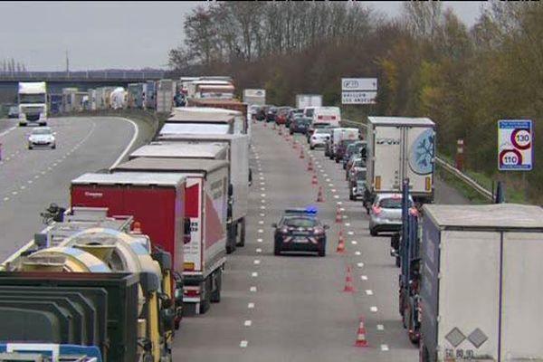 Plus de 200 camions bloqués sur l'A13 au niveau du péage d'Heudebouville dans l'Eure