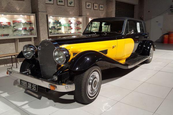 La Panther De Ville de Johnny Hallyday devrait être exposé au musée de l'automobile de Velaine-en-Haye jusqu'au 17 décembre 2017.