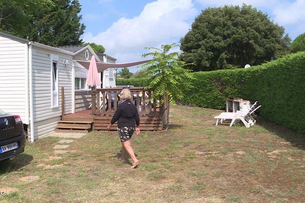 Lydia a acheté ce terrain et ce mobil-home il y a trente ans. Elle craint aujourd'hui d'être expulsé.