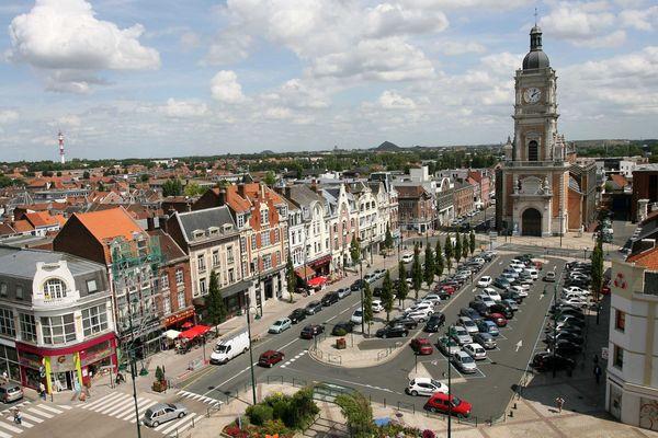 Lens, vue de l'Hôtel de Ville