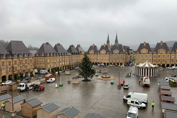 A Charleville-Mézières, tout doit être prêt pour le 12 décembre.
