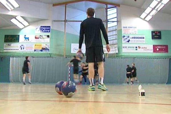 Entrainement du Chartres Métropole Handball, pensionnaire de Pro D2, qui se prépare à recevoir Dunkerque, Champion de France de LNH le 6 février 2015.
