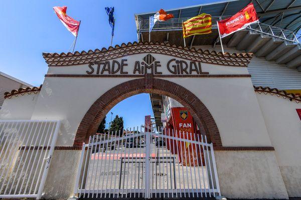 Le stade Aimé Giral, situé au cœur de Perpignan, dans les Pyrénées-Orientales, a une capacité de 14593 places.