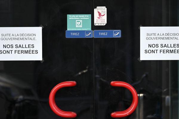 """Depuis le 15 mars, les commerces """"non-essentiels"""" n'ont plus le droit d'ouvrir au public"""