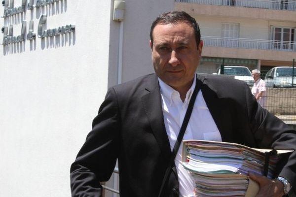L'avocat ajaccien Jean-Michel Mariaggi à la sortie du palais de justice d'Ajaccio