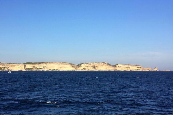 Les falaises de Bonifacio (Corse du Sud).