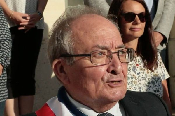 Emmanuel Rat a officiellement retrouvé son écharpe de maire le 27 mai dernier.