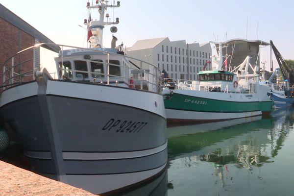 Les bateaux sont déjà presque prendre à reprendre la mer pour l'ouverture de la pêche à la coquille Saint Jacques.