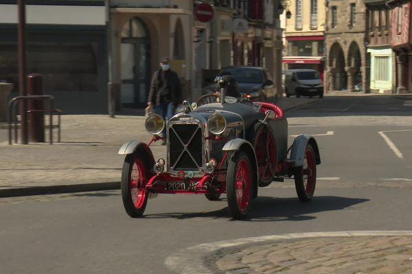 Pourra t-on encore voir des voitures de collection rouler dans les grandes agglomérations? la loi climat envisage d'y mettre un frein.