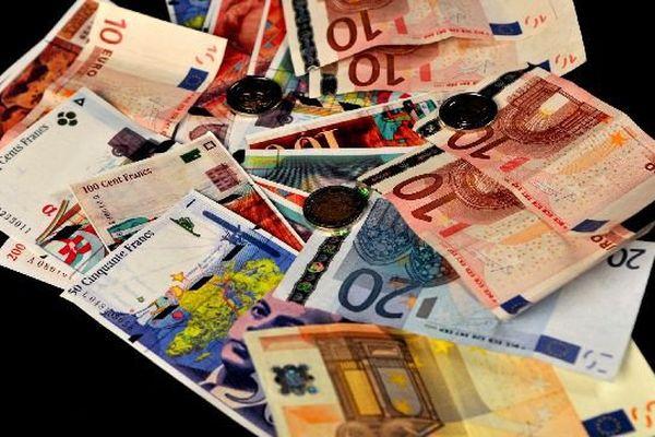 Les paiements en espèces au-delà de 1000 euros seront interdits en France à partir du 1er septembre 2015.