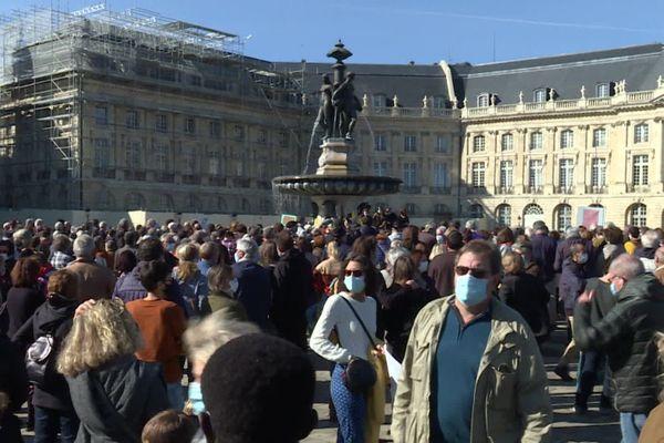 A Bordeaux, 3 000 personnes se sont réunies ce dimanche en hommage à Samuel Paty