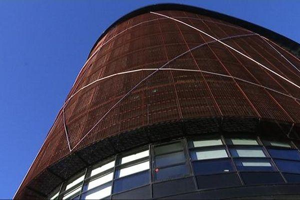 La tour Elithis a été inaugurée en 2009 à Dijon, mais elle fait toujours exception.