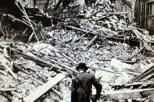 La ville de Caen dévastée.