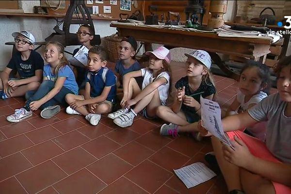 L'association ADECEC réalise un gros travail auprès des jeunes scolaires pour que vive la culture corse
