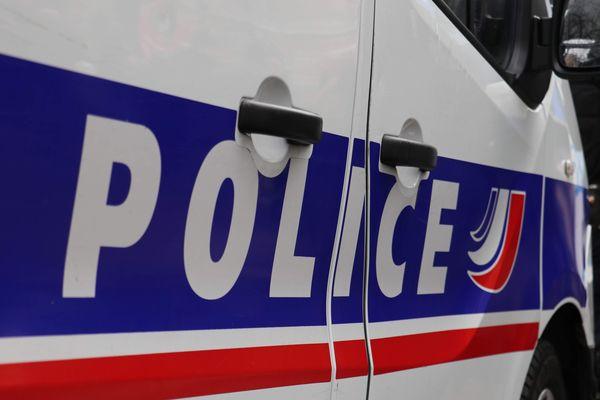 Un enfant de neuf ans aurait poignardé une jeune femme à Capelle-la-Grande ce lundi 18 mai.