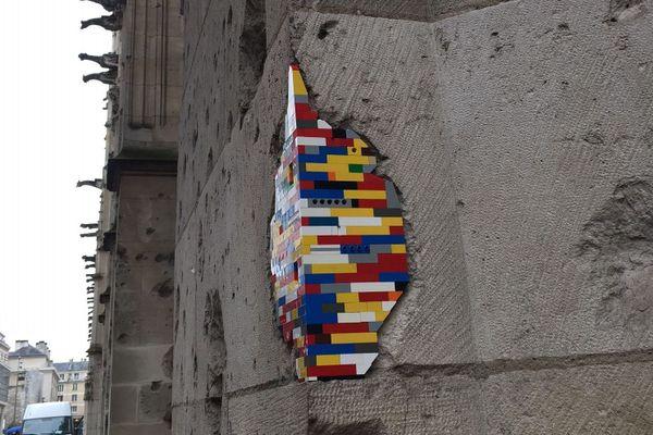 Œuvre de Jan Vormann sur l'un des murs du palais de Justice de Rouen le 5 octobre 2020