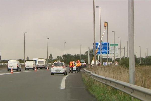 Travaux d'éclairage en cours sur l'A16.