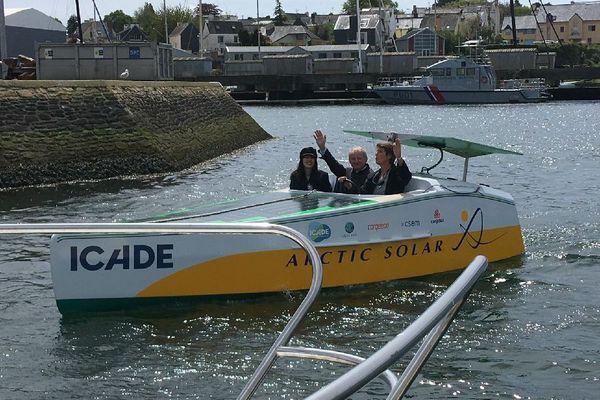 Le baptême du Solar Boat d'Anne Quéméré, avec Nolwen Leroy et Yann Quéffelec
