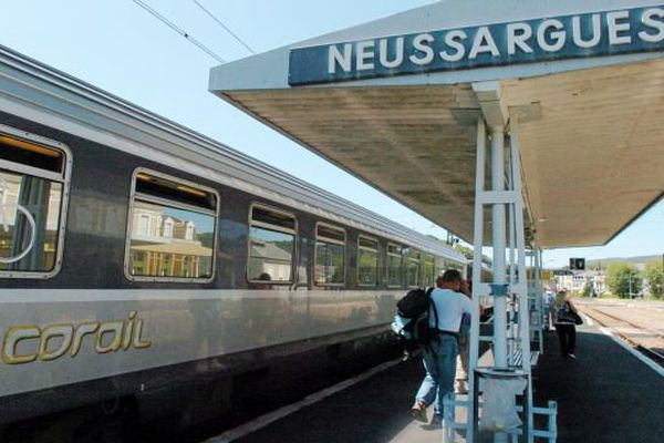 La gare sur la ligne Sncf Béziers-Neussargues.