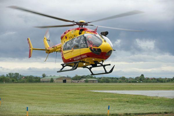 L'hélicoptère de la Sécurité civile du Bas-Rhin, Dragon 67, photographié ici en avril 2020.