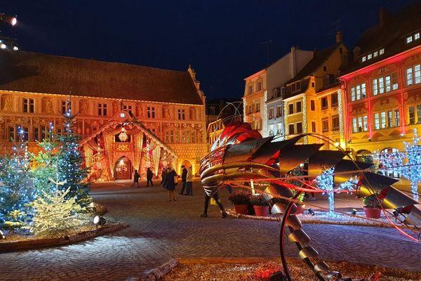 La forêt fantastique de Noël, place de la Réunion à Mulhouse