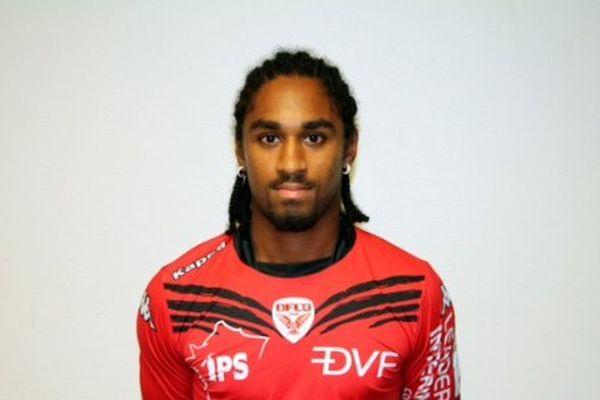 L'attanquant Wesley Saïd prêté au DFCO par le Stade Rennais pour la saison 2015-2016.