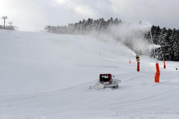 """""""Je suis déçu et frustré, d'autant que cette année on a la chance d'avoir beaucoup de neige"""", regrette Jean-Yves Bonnefoy, Représentant de la station de Chalmazel, dans la Loire."""